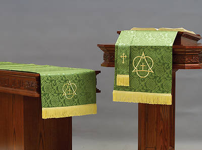 Abbott Hall TRN Green Trinity Three-Piece Parament Set