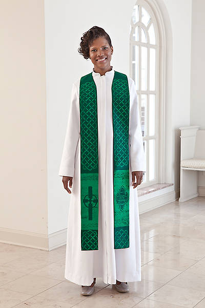 Picture of Celtic Pastor Stole Green - Average/Tall 104""