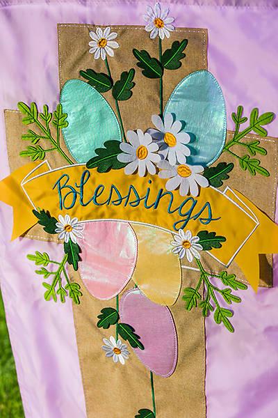 Picture of Lavendar Blessings Easter Cross Garden Appliquè Flag