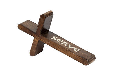 Picture of Brown Resin SERVE Table Cross 7""