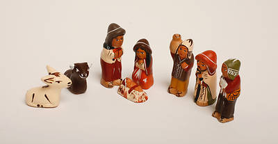 8 Piece Quinua Ceramic Nativity Set Medium