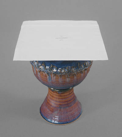 Picture of Cambric Linen Chalice Pall with White Cross - Pack of 3