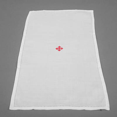 Picture of Cambric Linen Purificator with Red Cross and Vine - Pack of 3