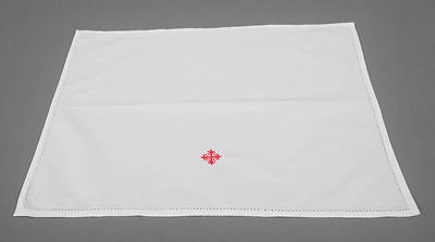 Picture of Cambric Linen Lavabo Towel with Red Cross and Vine - Pack of 3