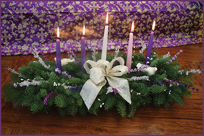 Fresh-Cut Christmas Grace Advent 5 Candle Centerpiece
