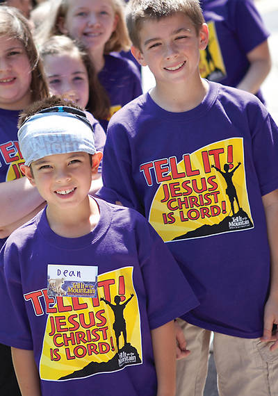 Concordia Vacation Bible School 2013 Go Tell it on the Mountain T-Shirt T-Shirt - Child Small