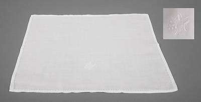 Picture of Cambric Linen Lavabo Towel with Wheat/Grapes - Pack of 3