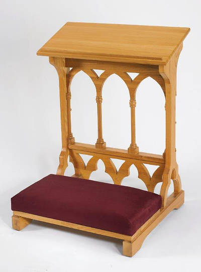 Picture of Gothic Collection Padded Kneeler - Medium Oak Stain