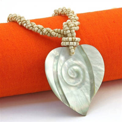 Java Shell Necklace - Heart
