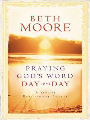 Praying Gods Word Day by Day Large Print Edition