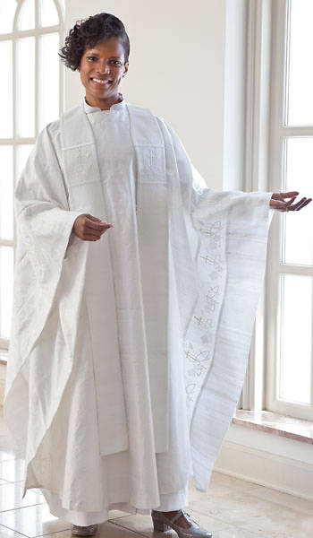 WomenSpirit Communion Chasuble Set